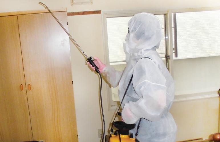 ビフォーアフター、共用部床の汚れがきれいになりました。
